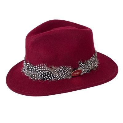 Maroon fedora guinea feather